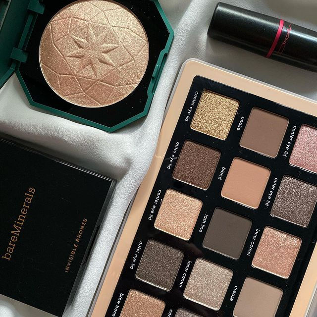 Photo shared by thatsjustmakeup on September 25, 2021 tagging @natashadenona, @bareminerals, @maccosmetics, @kikomilano, and @natashadenonabeauty. May be an image of cosmetics.