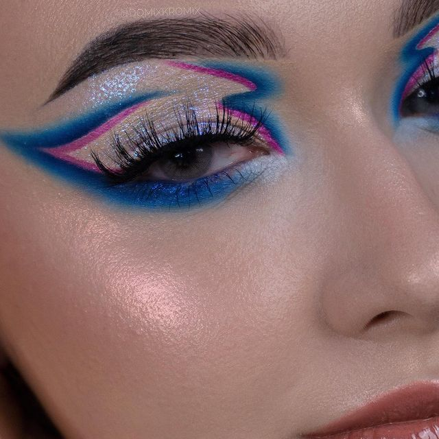 Photo by Dominika   MAKEUP   BEAUTY on July 27, 2021. May be a closeup of 1 person and cosmetics.