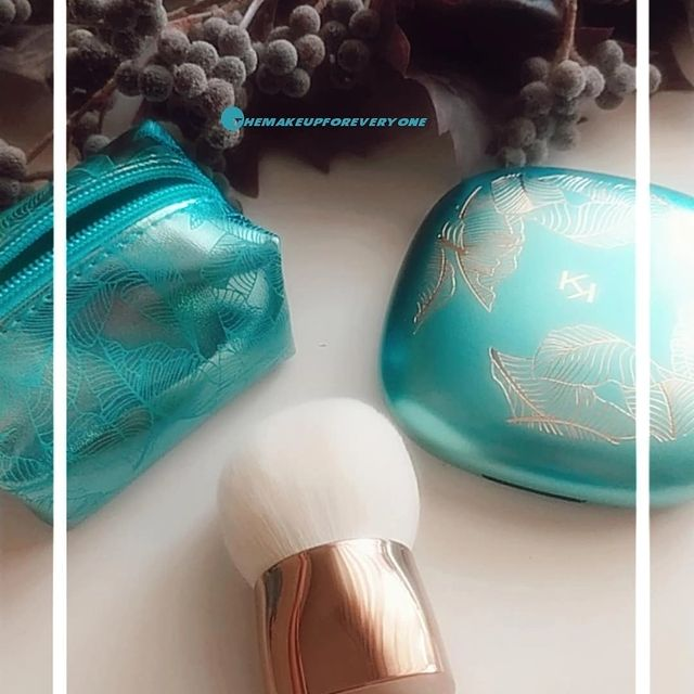 Photo by elena on October 15, 2021. May be an image of cosmetics and text.